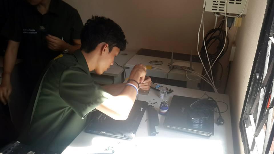 การให้บริการซ่อมและบำรุงรักษาคอมพิวเตอร์ให้โรงเรียน